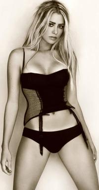 Martina Stella is a Hot Italian actress who is not playing the EPT German Open