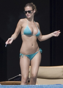 Bar Refaeli bikini photo