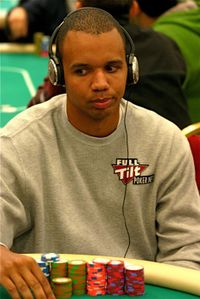 Phil_ivey_day_la_poker