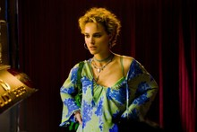 Natalie Portman plays poker player in My Blueberry Nights