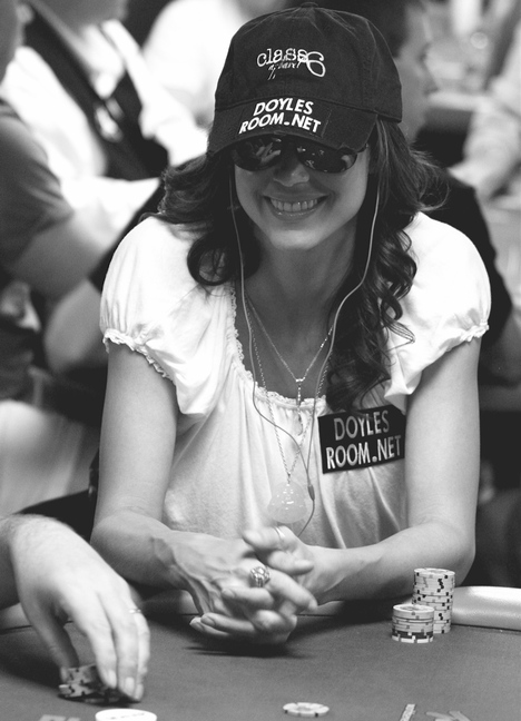 Shannon Elizabet playing poker without Derek Hough at the 2008 WSOP