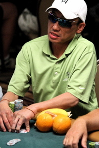 Vinnie Vinh oranges at WSOP