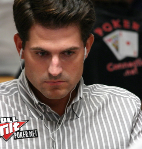 Brandon Adams looking at his nose at the 2008 WSOP