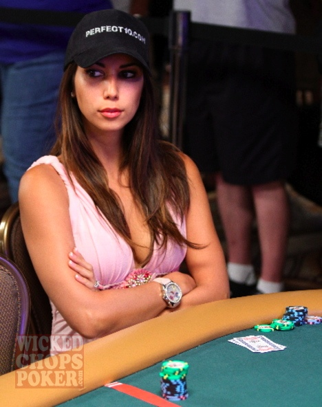 Top dropper Leilani Dowding played poker at the 2008 WSOP