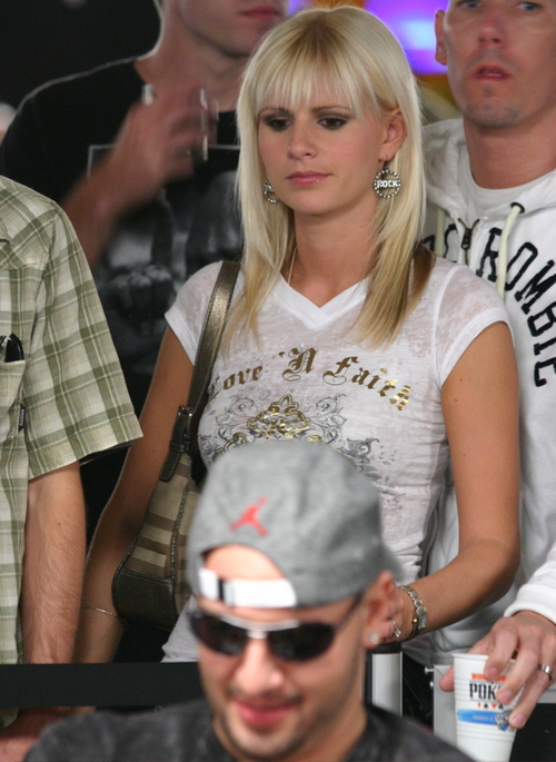 Grinder rail girl at 2008 WSOP