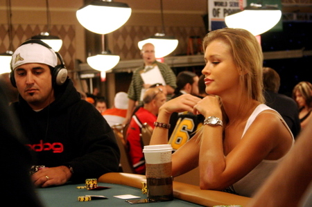 Josh Arieh leads WSOPC New Orleans final table.
